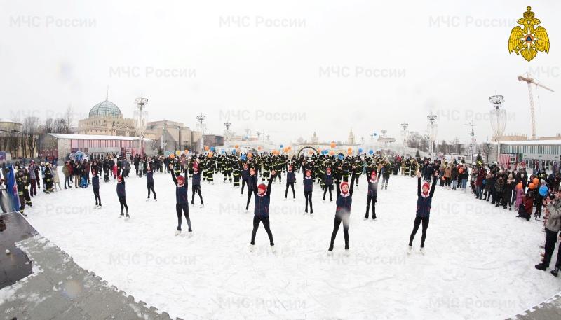 Флешмоб столичных огнеборцев «Растопим лед вместе!» приобретает всероссийские масштабы