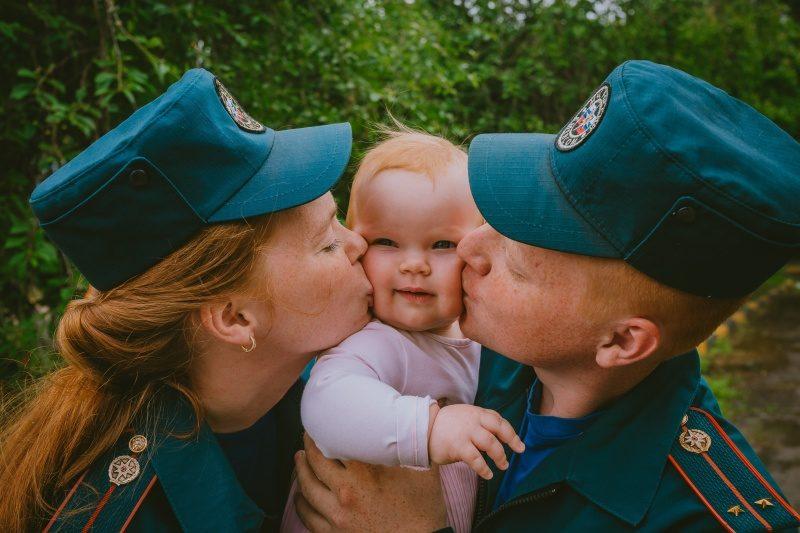 МЧС России поздравляет семьи сотрудников ведомства с Днем семьи, любви и верности