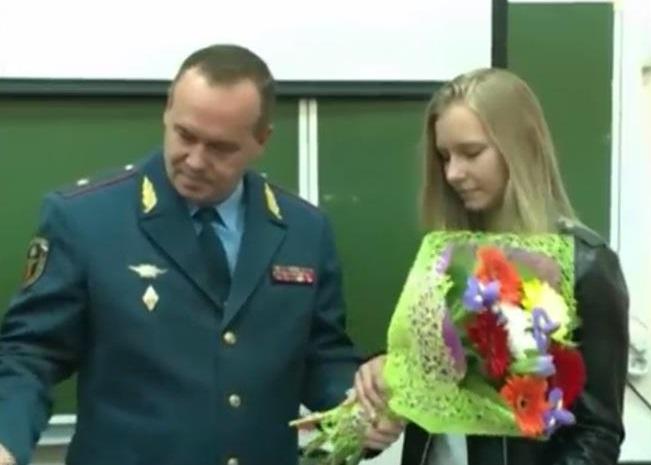 Ярославскую студентку Анастасию Культешову МЧС представило кнаграде